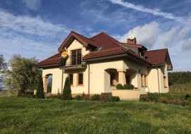 Villa APOLONIA w Biebrowie