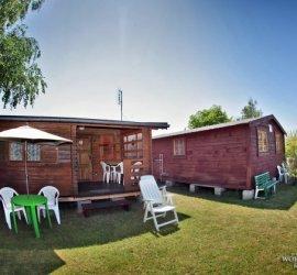 Domki i przyczepy campingowe w Chłopach