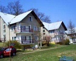 Pokoje i apartamenty FALEZA w Dębinie