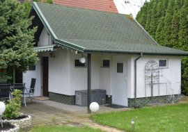 Domek wczasowy - pensjonat dla 4 osób z ogrodem nad Bałtykiem