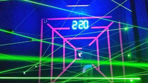 Laser box - labirynt laserowy oraz łowca laserów