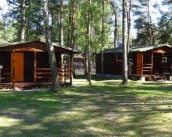 Domki na leśnej polanie + pokoje - Pobierowo